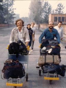 Correspondents on the airport road to strike-hit Kathmandu in 1991 - photo Bob Nickelsberg/Getty Images