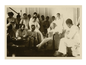 Jawaharlal Nehru with reporters