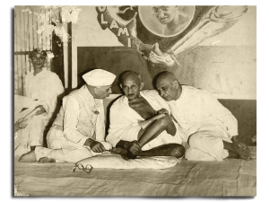 Nehru, Gandhi and Sardar Patel (right) at an All India Congress Committee meeting in 1946, considering forming an interim government