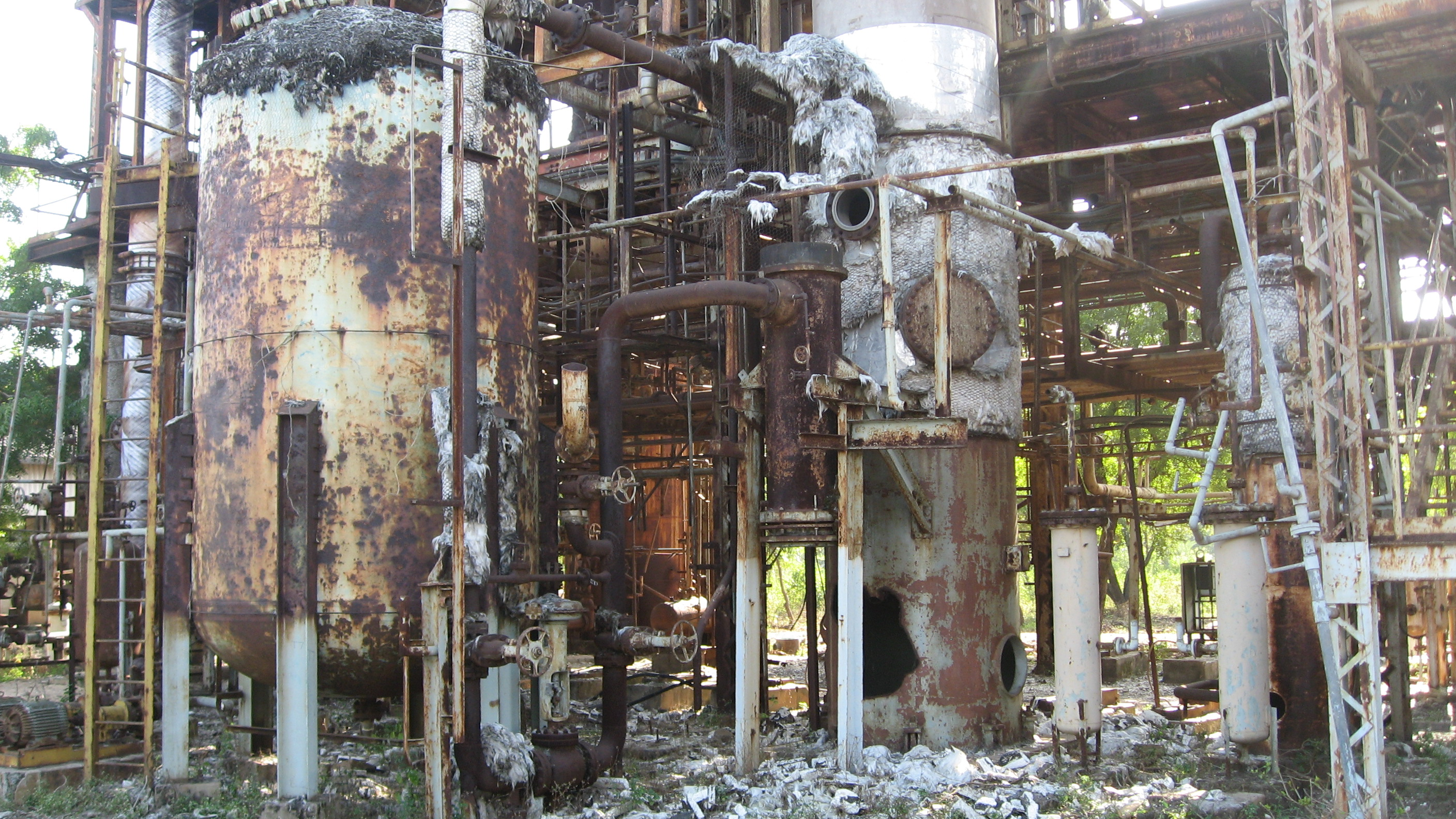 the summary of bhopal disaster The bhopal disaster was the worst chemical disaster resulting to date of approximately 25,000 fatalities due to exposure to a toxic gas cloud in the immediate aftermath of the accident, 3800.