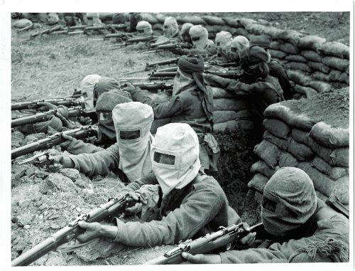 Indian infantry in France with an early version of gas masks (photo from Vedika Kant book)