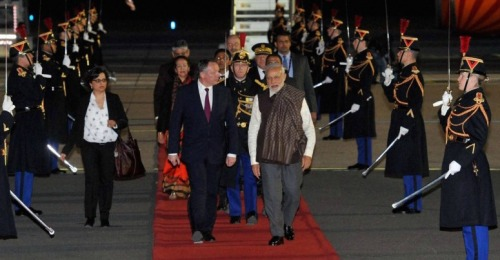 Narendra Modi arrives in Paris