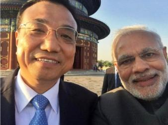 Narendra Modi's selfie with China's Premier Li Keqiang selfie