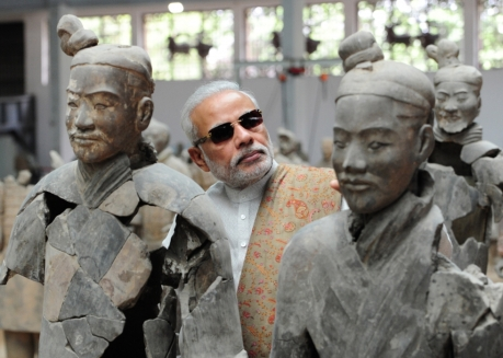 Modi examines Xian's world-famous terracotta warriors and horses of Qin Shi Huang, the first Emperor of China