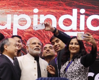 Modi StartUp Selfie