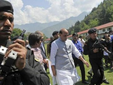 rajnath-singh-kashmir-photo-waseem-andrabiht