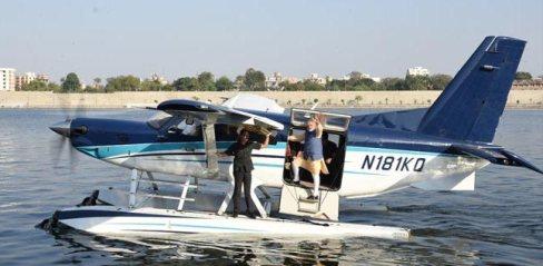 modi-on-seaplane