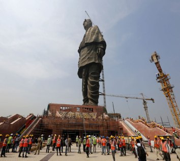 Patel statue construction