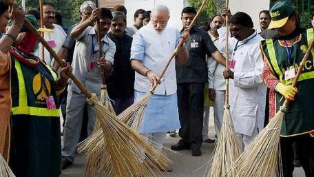 Swachh-Bharat-Modi sweep