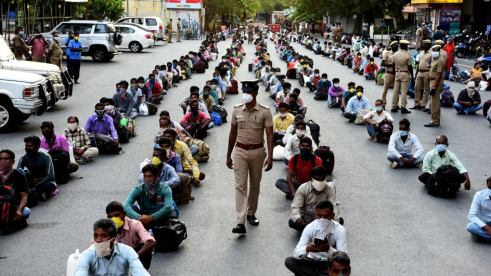 in-migrantworkers wait Chennai